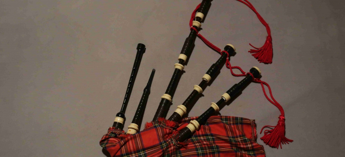 Cornemuse écossaise ( MacDougall?)